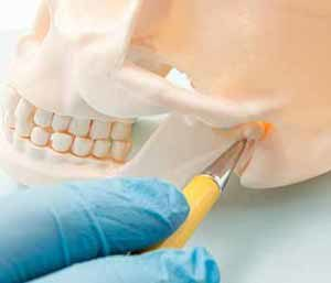 Dentist in Centerville, OH area offers treatment for patients with TMJ symptoms
